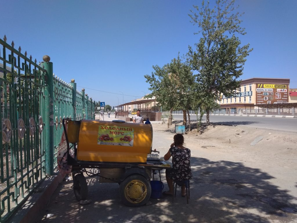 Puesto bebidas Uzbekistán